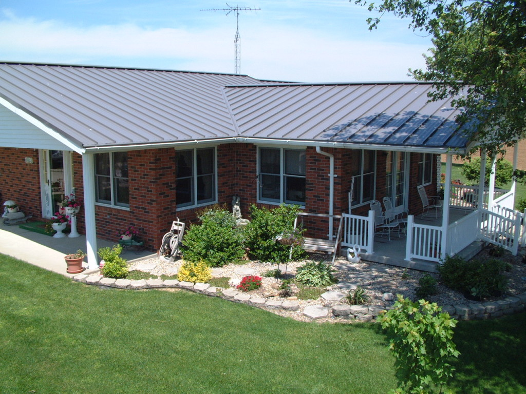 Standing Seam Metal Roof on a Ranch