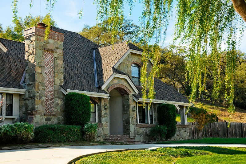Asphalt Shingles Roof on a Gorgeous House